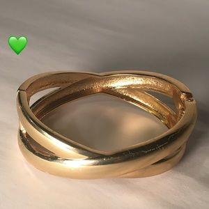 Unique Gold Tone Bracelet